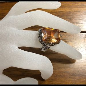 Beautiful topaz ring